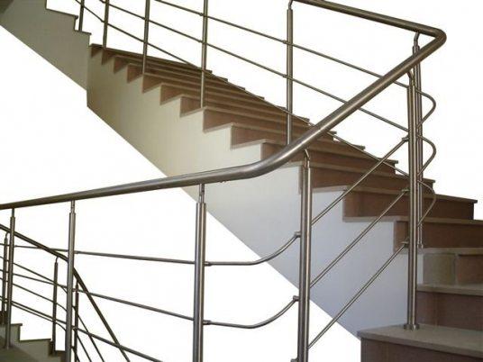 Алюминиевое ограждение лестничного марша