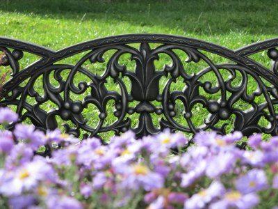 Чугунная ограда для клумбы