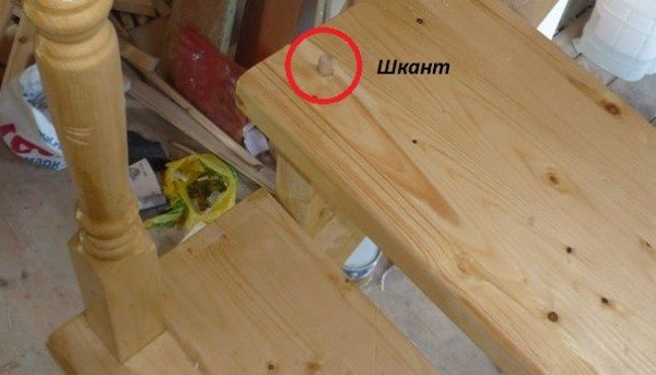 Для деревянных ступеней подойдет шкант в сочетании с клеем