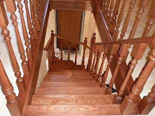 Дубовая лестница – показатель платежеспособности потребителя