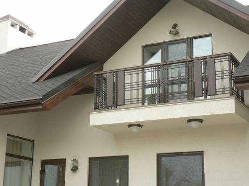 Фото балкона в загородном доме