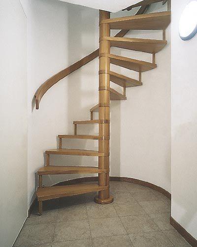Фото винтовой лестницы.