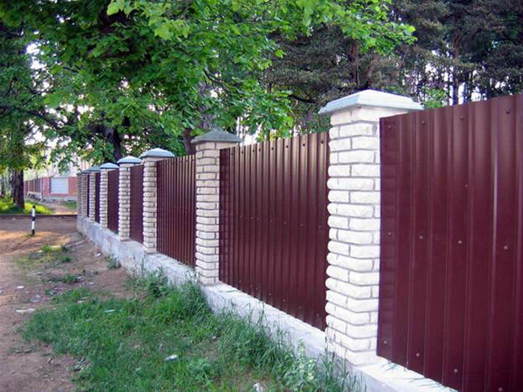 Как правильно и законно установить на дачном участке забор