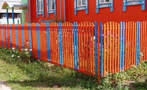 Покрасить ограду своими руками