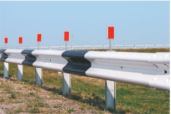 Металлические сигнальные ограды