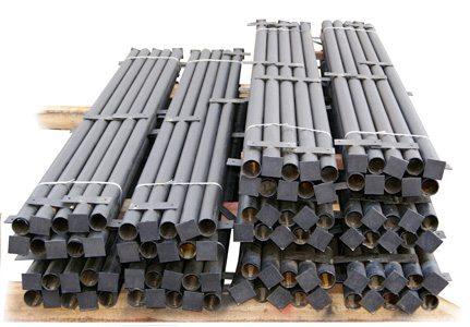 Металлические заборные столбики