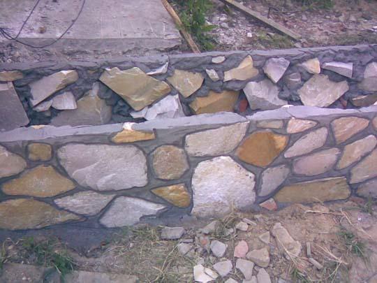 Как своими руками сделать забор из камня