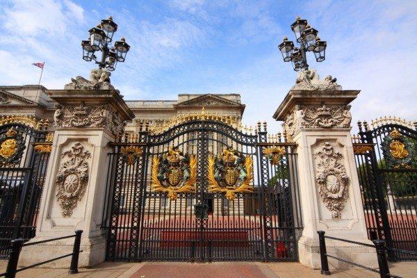 Парадный въезд в усадьбу Букингемского дворца