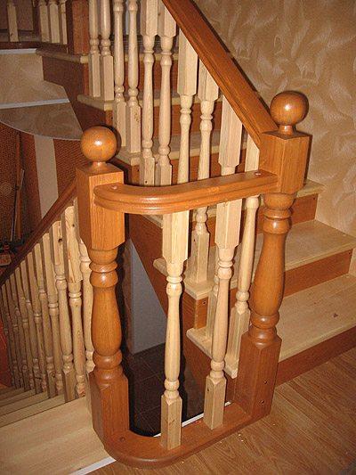Расположение стоек на одном уровне значительно увеличивает надежность конструкции