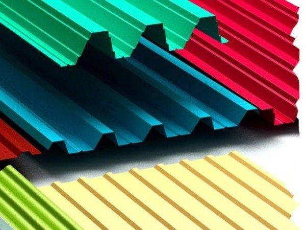 Разновидности профнастила: стоимость зависит и от цвета и от фактуры