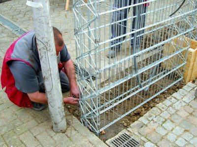Разобрать такой забор не сложнее, чем собрать
