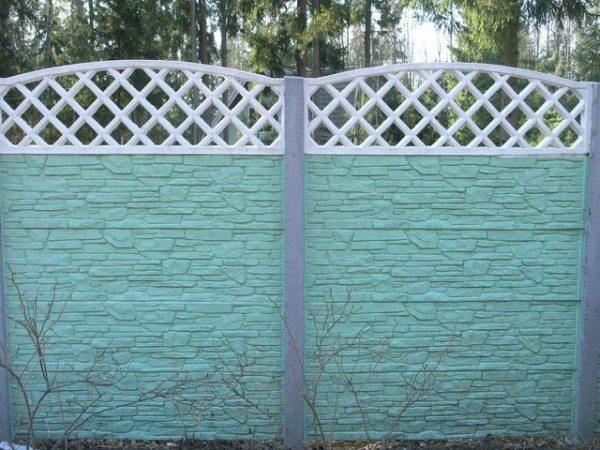 Сборный забор может состоять из нескольких секций
