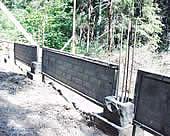 Секции, установленные между первыми блоками опор.