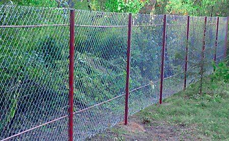 Установить забор из рабицы своими руками видео