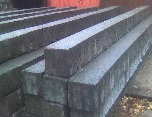 Также продаются уже готовые бетонные столбы, которые можно использовать для любых строительных целей