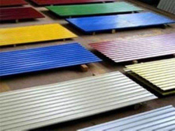 Цветовая палитра современного профнастила способна удовлетворить даже самого искушенного потребителя