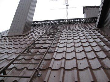 Установка лестницы на эксплуатируемой крыше обязательна