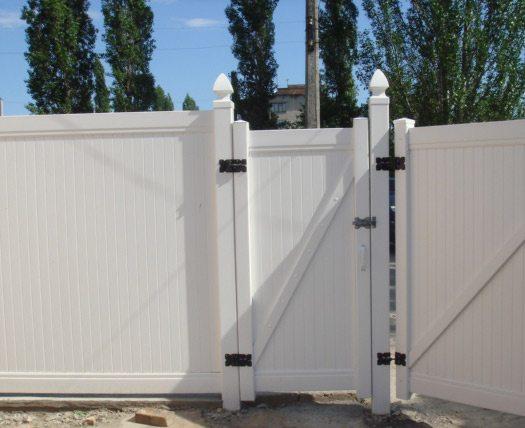 Установленная калитка и ворота