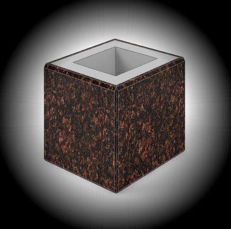 В каком качестве вы будете использовать столбы для забора из камня во многом зависит от вашей конструкторской мысли. Полый столб совсем не означает менее надёжный, зато позволяет проводить внутри дополнительные коммуникации