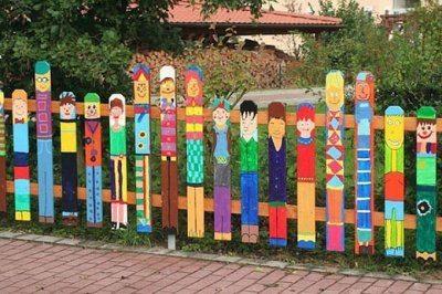 Веселый забор для детской площадки