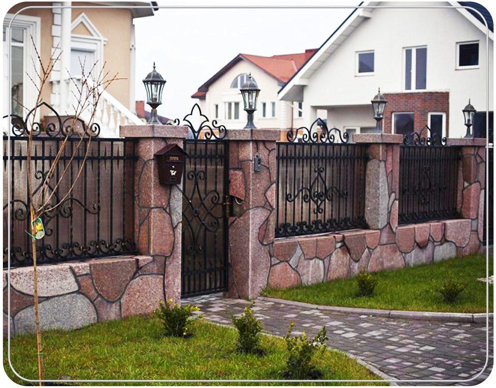 Ограда к дому своими руками