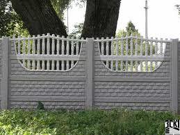 Декоративный бетонный забор.