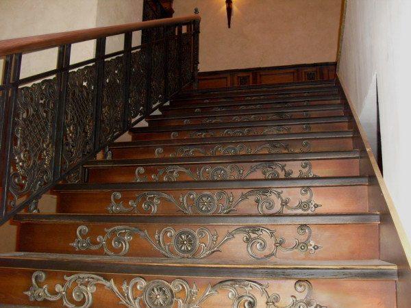 Довольно-таки респектабельная получилась лестница