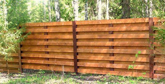 Двусторонний деревянный забор