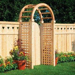 Фото деревянного забора с красивым дизайном