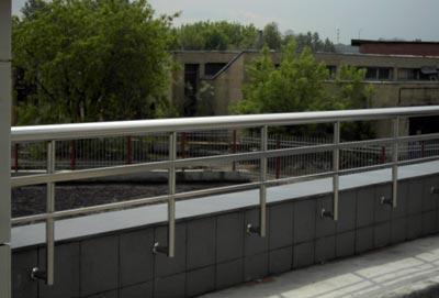 Фото правильно оборудованного балкона