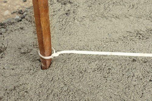 Колышек со шнуром для разметки
