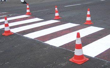 Конусы – временное дорожное ограждение.