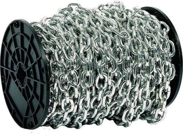 Металлическая цепь на барабане