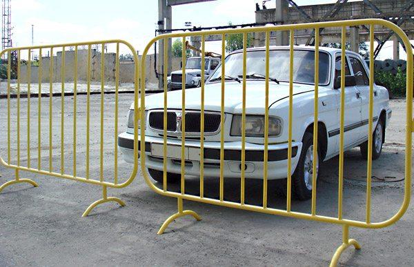 Металлическое заграждение можно использовать как ворота