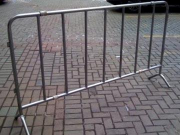 Передвижное ограждение барьерного типа