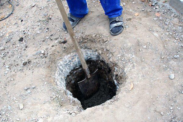 Подготовка почвы к установке столбов