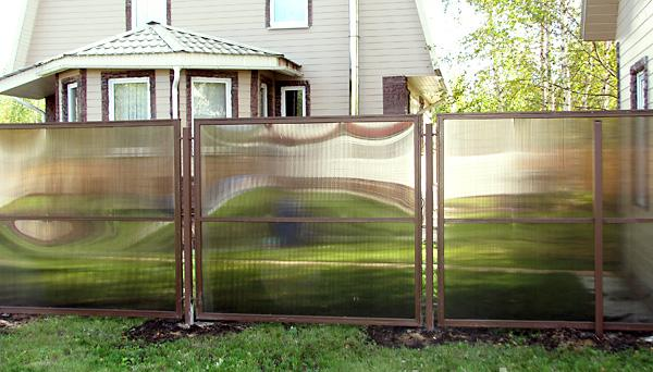 Секционный забор из сотового поликарбоната