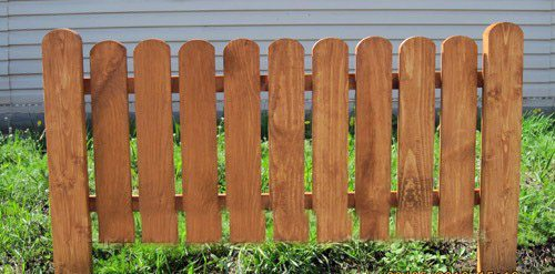 Секция готовой деревянной конструкции, которая может быть окрашена в яркие веселые цвета