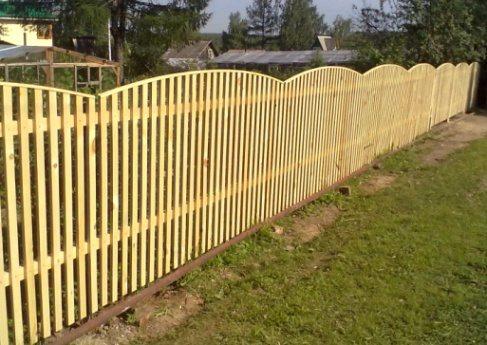 Штакетник - дешевый забор для дачи своими руками - цена очень символическая