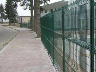 Современный забор из стальной сварной сетки