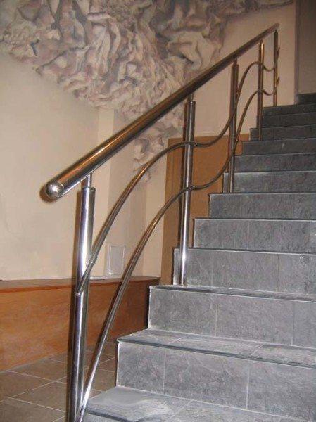 Перила и ограждения лестницы, перильные и лестничные ограды, высота, установка своими руками: инструкция, фото и видео-уроки, цена