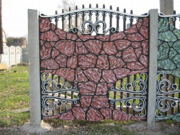 Вот как можно декоративно покрасить ваш забор