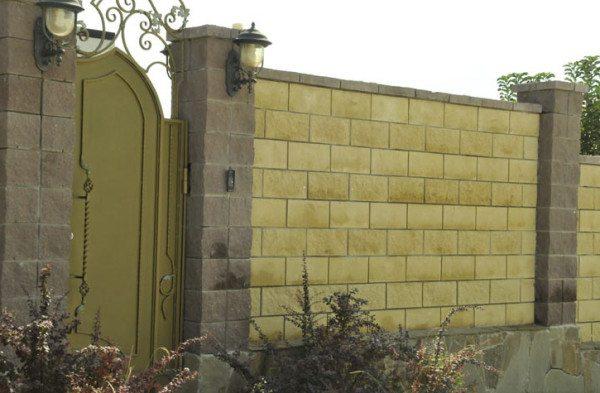 Забор из разноцветного бессера